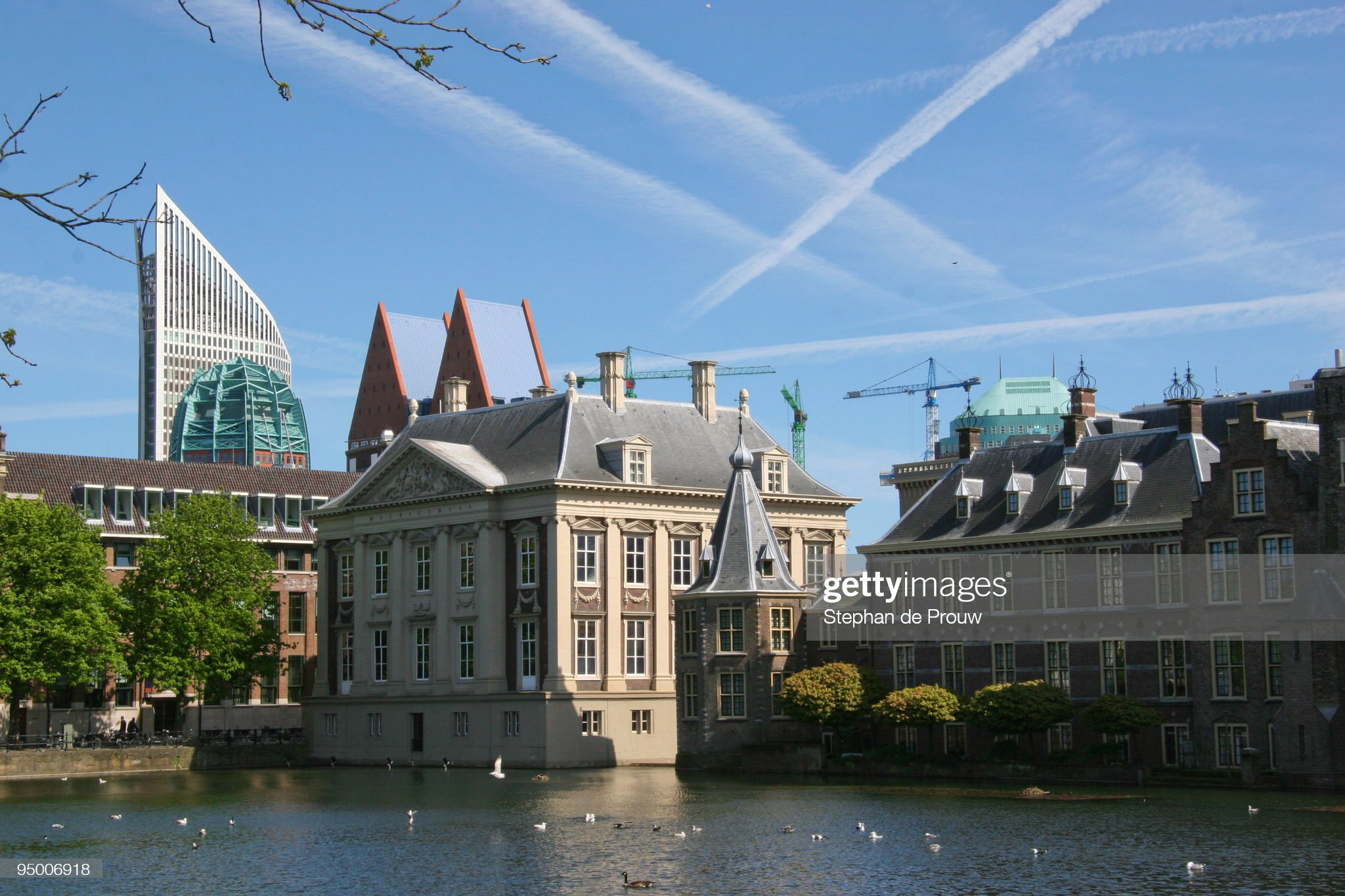 Hofvijver and Mauritshuis : Foto stock