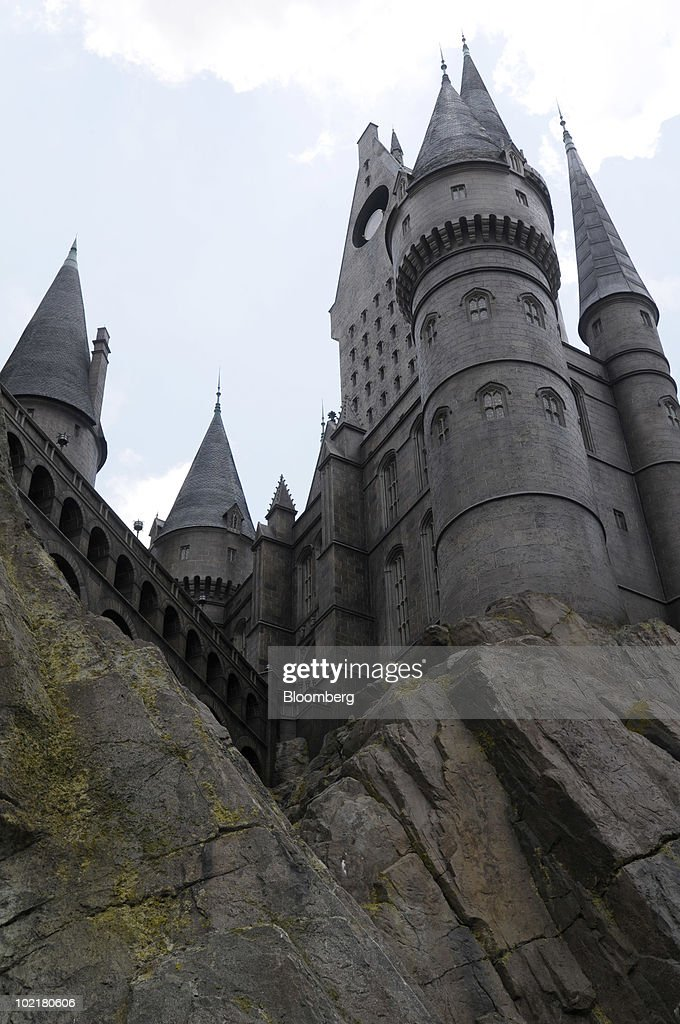 Hogwarts castle stands atop a hill at the Universal Studios Wizarding World of Harry Potter theme park in Orlando, Florida, U.S., on Thursday, June 17, 2010. Universal reportedly spent $265 million building the theme park, based on a Securities & Exchange Commission filing. Photographer: Phelan M. Ebenhack/Bloomberg via Getty Images