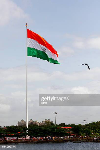 hoisted indian flag - 1947 stock pictures, royalty-free photos & images