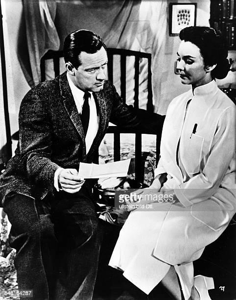 Holden William * Schauspieler USA mit Jennifer Jones in einer Szene des Films 'Alle Herrlichkeit auf Erden' Regie Henry King USA 1955