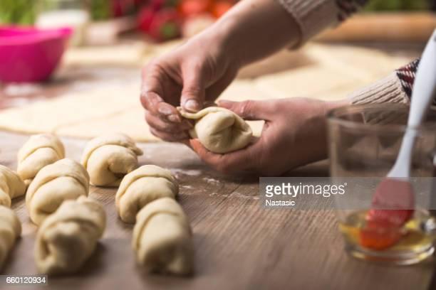 Holding croissant rolls