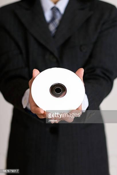 CD を手に
