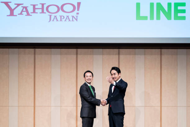 JPN: Yahoo Japan and Line Hold Joint Press Conference