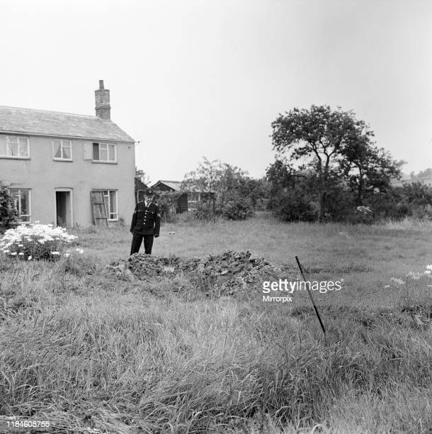 Hole dug by gang at farmhouse to dispose of evidence in their haste the shovels were left behind Leatherslade Farm Buckinghamshire Wednesday 14th...