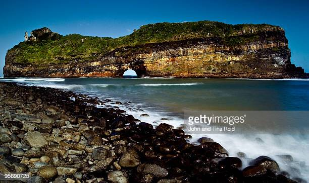 hole in the wall - eastern cape stock pictures, royalty-free photos & images