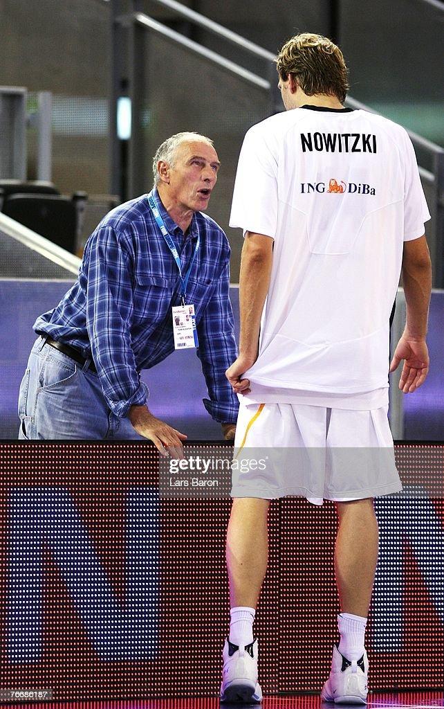 Germany v Italy - EuroBasket 2007 : Nachrichtenfoto