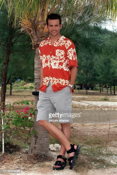 Holger Speckhahn Moderator der SAT1AbenteuerShow Das Inselduell am 362000 auf der malayischen Insel Simbang Speckhahn ist die einzige Verbindung zur...