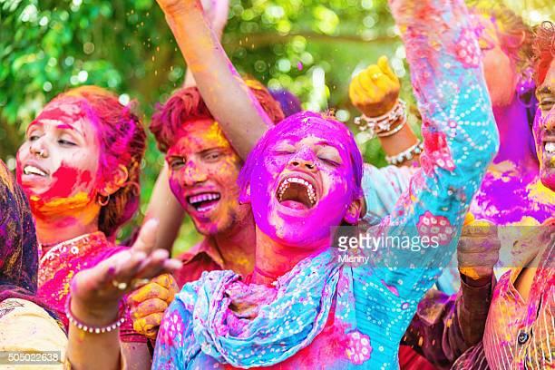 Holi Festival feiern in Indien Menschen Fest der Farben