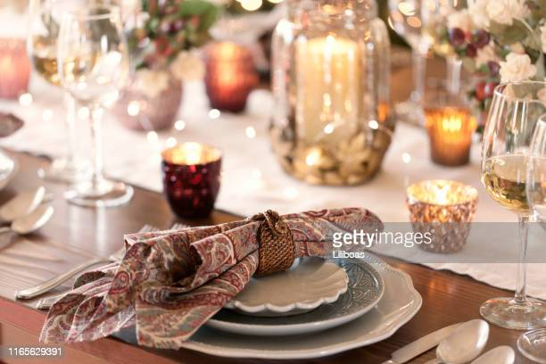 holiday dining place setting - cero foto e immagini stock