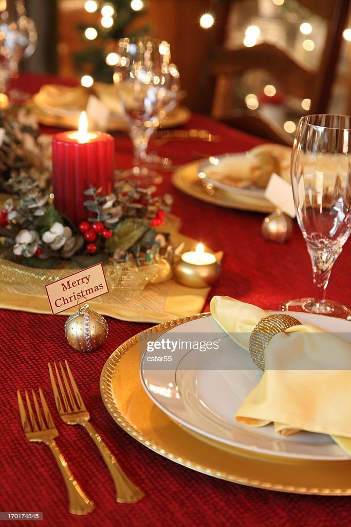Holiday Elegant Christmas Table setting with crystal red and gold  Stock Photo & Holiday Elegant Christmas Table Setting With Crystal Red And Gold ...