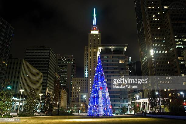 Holiday festivities began at the legendary flagship Neiman Marcus Downtown, and continue down Main Street to the new Main Street Garden park last...