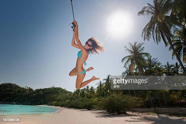 amusez-vous pendant les fêtes-paradis swing (xxxl - femme maigre photos et images de collection