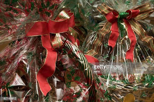holiday se completa con canastas de regalos