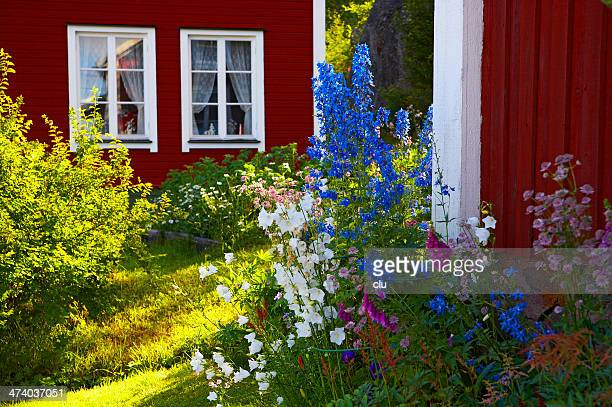 Holiday homes and flowers