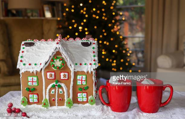 holiday house at christmas - pasadena california stock pictures, royalty-free photos & images