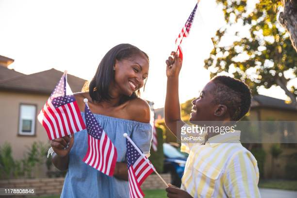 us holidays celebration with family - happy flag day stock pictures, royalty-free photos & images