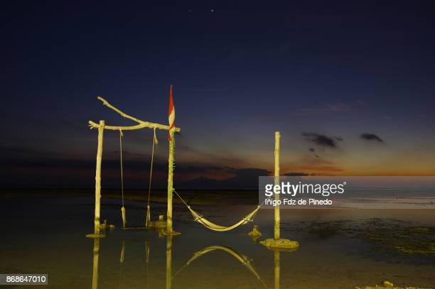 holidays in gili trawangan - the swing - lombok - indonesia - gili trawangan bildbanksfoton och bilder