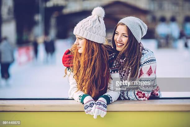 holidays with bestie - eislaufbahn stock-fotos und bilder