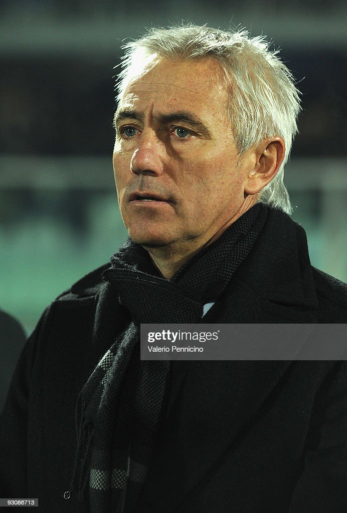 Holland head coach Bert van Marwijk looks during the international friendly match between Italy and Holland at Adriatico Stadium on November 14, 2009 in Pescara, Italy.