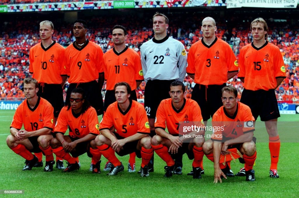 Soccer - Euro 2000 - Group D - France v Holland : News Photo