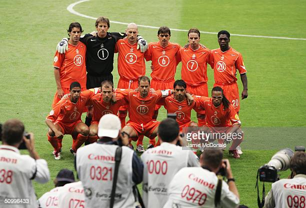 Holland team line up prior to the UEFA Euro 2004 Group D match between Holland and Latvia at the Braga Municiple Stadium on June 23 2004 in Braga...