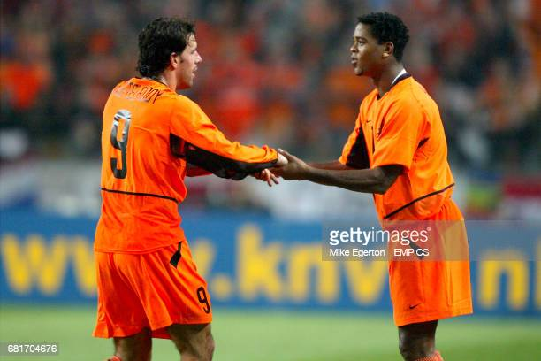 Holland's Patrick Kluivert comes on as substitute for Ruud van Nistelrooy