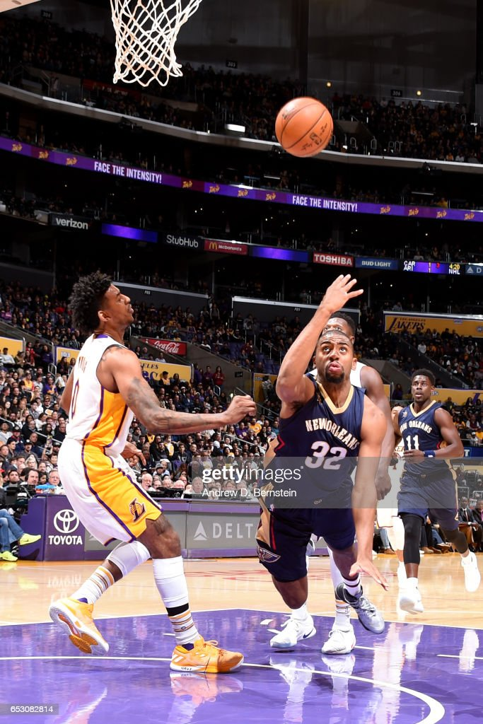 Hollis Thompson #32 of the New Orleans Pelicans shoots the ball against the Los Angeles Lakers on March 5, 2017 at STAPLES Center in Los Angeles, California.