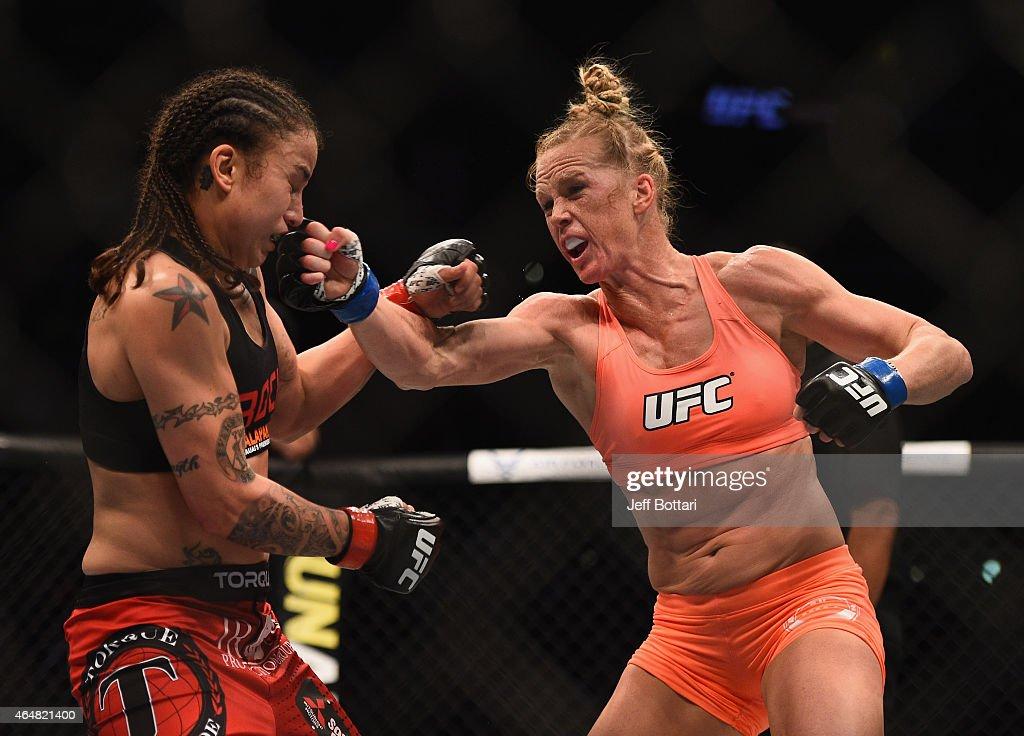 UFC 184: Pennington v Holm : ニュース写真