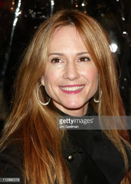 Holly Hunter during 'Mona Lisa Smile' New York Premiere Outside Arrivals at Ziegfeld Theater in New York City New York United States
