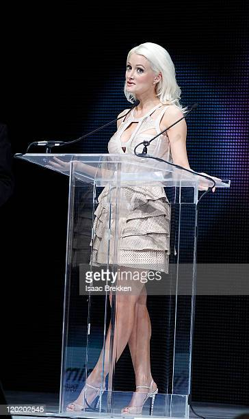 holly madison nude images
