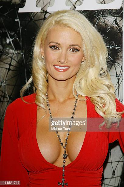 Holly Madison arrives at Hollywood Life's 5th Annual Hollywood Style Awards held at the Pacific Design Center on October 12 2008 in West Hollywood...