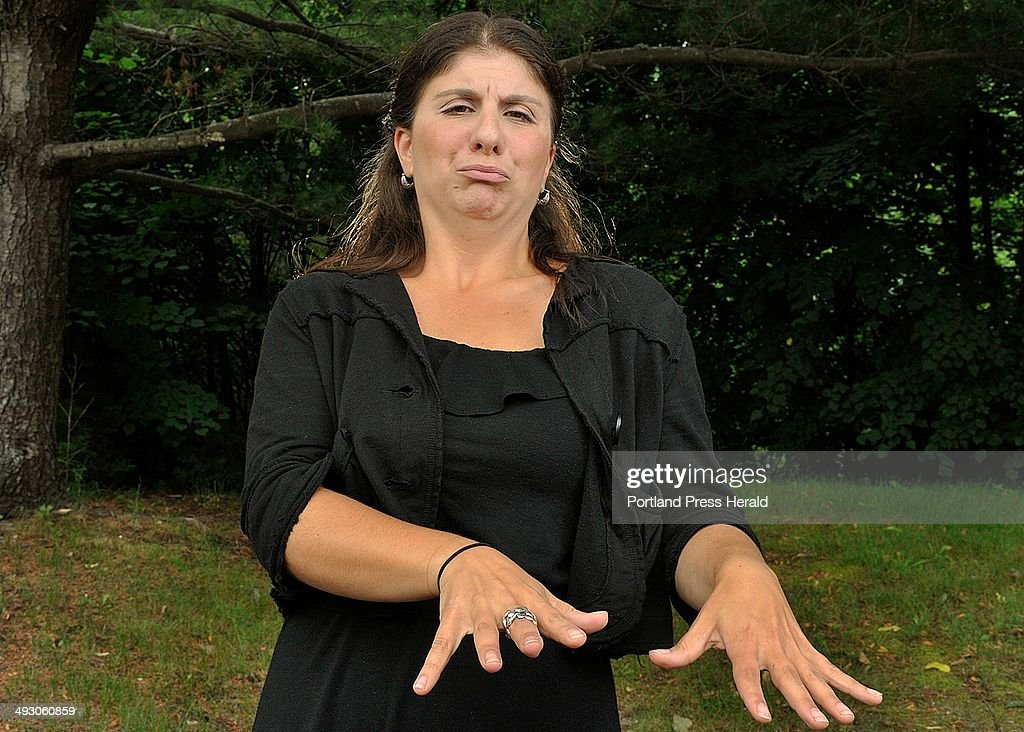 Holly Maniatty, a Portland sign language interpreter, who has made a name for herself signing for co : News Photo