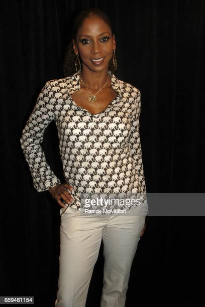 Holly Robinson Peete attends DUCKIE BROWN Spring 2010 Collection at The Salon on September 10 2009 in New York City
