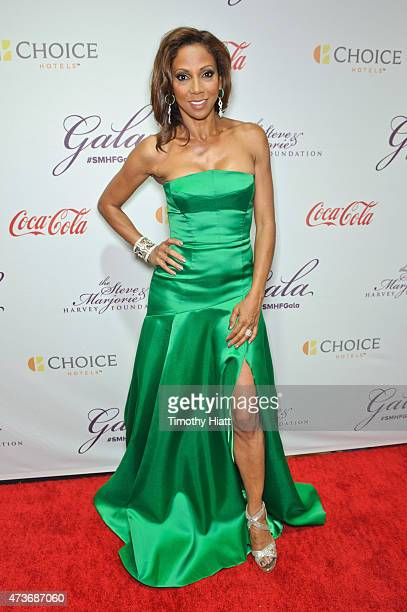 Holly Robinson Peete attends the Steve Marjorie Harvey Foundation Gala on May 16 2015 in Chicago Illinois