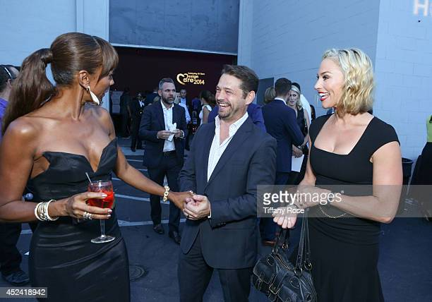 Holly Robinson Peete Jason Priestley and Naomi LowdePriestley attend the 16th Annual DesignCare to Benefit The HollyRod Foundation at The Lot Studios...