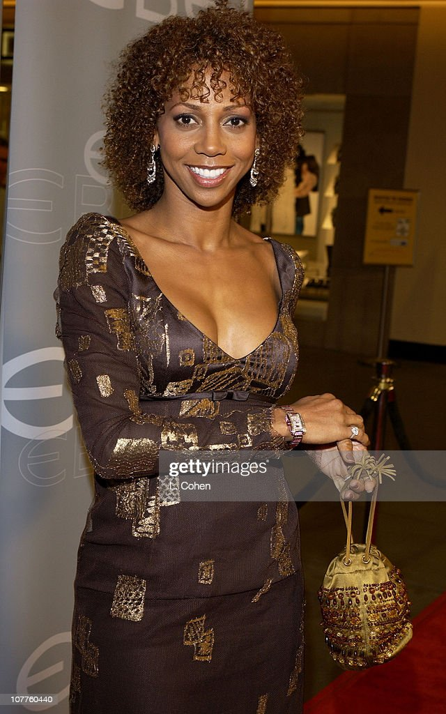 Ebel Honors Kelly Rowland with The Ebel 2003 Woman of Achievement Award Hosted