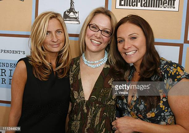 Holly Wiersma, Laura Franklin and Ali Forman during Film Independent's 2006 Independent Spirit Awards - Red Carpet in Santa Monica, California,...