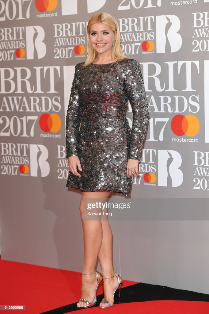 The BRIT Awards 2017 - Red Carpet Arrivals : News Photo