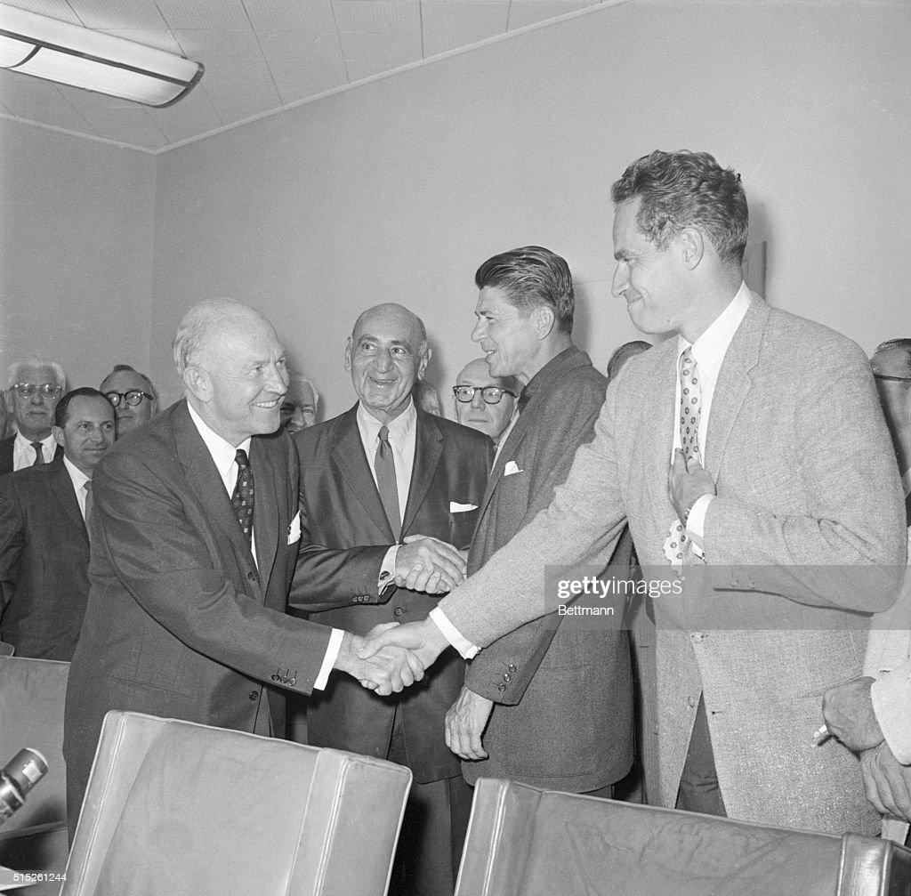 Charlton Heston and Ronald Reagan : ニュース写真