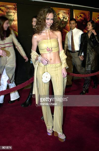 2/02/00 Hollywood CA Jennifer Love Hewitt attending the Los Angeles Premiere of The Beach Photo by Brenda Chase Online USA Inc