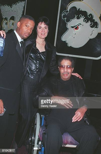 Hollywood Ca Richard Pryor With DL Hughley And His Manager And ExWife Jennifer Lee At The PostParty For The 1999 American Comedy Awards