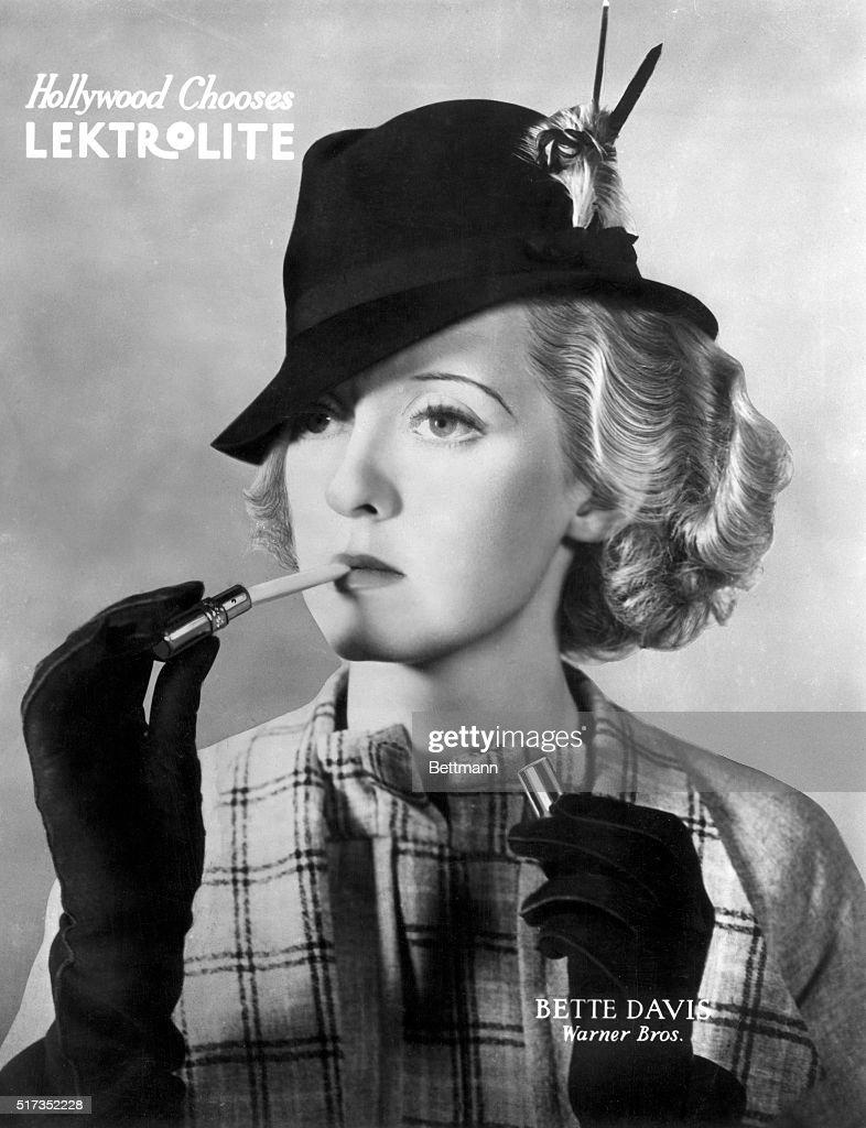 Bette Davis in Advertisement for Lighter : News Photo