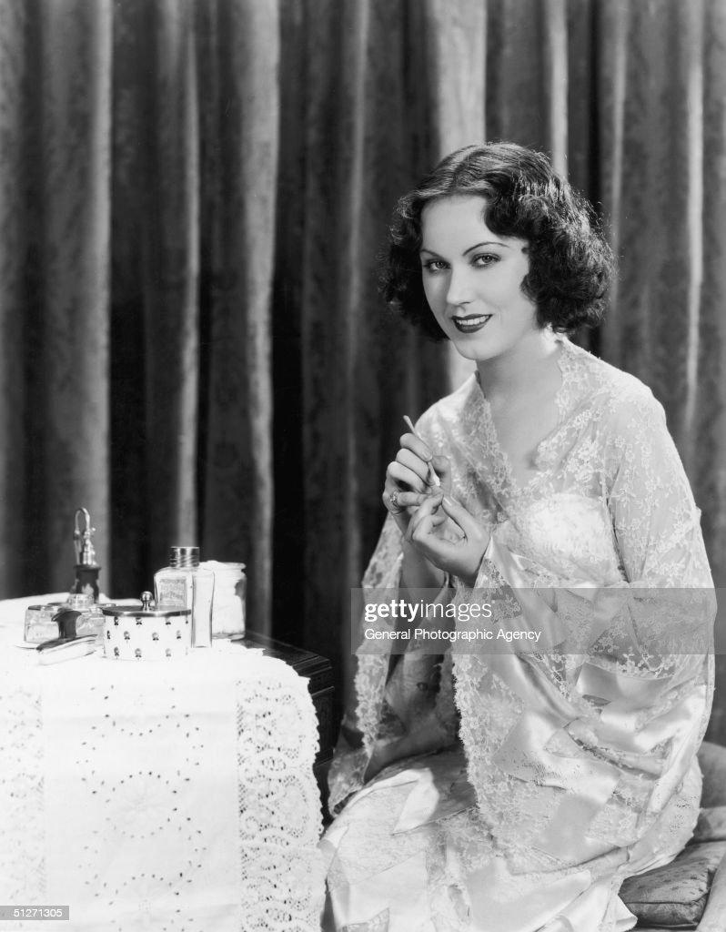 Fay Wray's Manicure : News Photo