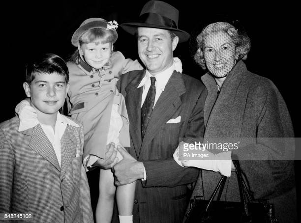 Hollywood film star Ray Milland with his wife Muriel and their two children Victoria and Daniel They were arriving at Southampton aboard the 'Nieuw...