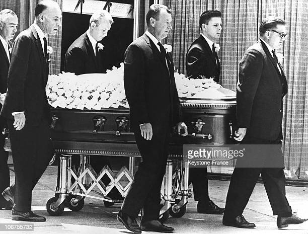 Hollywood Marilyn Monroe S Funeral August 14Th 1962