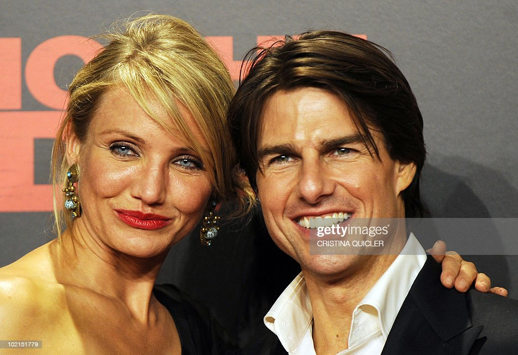 Hollywood stars Cameron Diaz (L) and Tom Cruise pose on the red carpet prior to the international film premiere of their new film 'Knight and Day' by US director James Mangold in Sevilla on June 16, 2010. Cruise, 47, and Diaz, 37, filmed key scenes of the action-comedy movie in Seville as well as in the nearby coastal city of Cadiz last year.