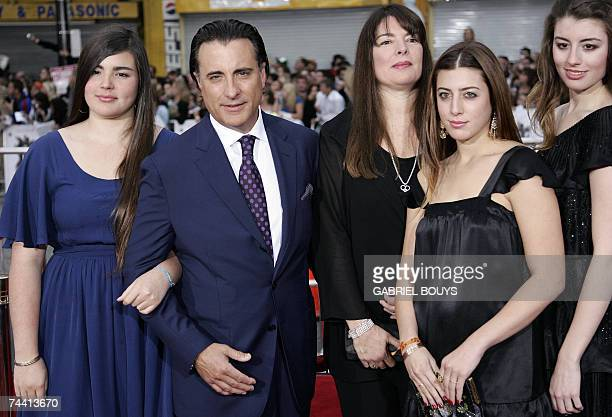 Actor Andy Garcia arrives with his wife and daugthers for the US premiere of Ocean's Thirteen 05 June 2007 at the Grauman's Chinese Theater in...