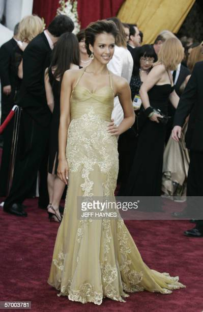 Actress Jessica Alba arrives 05 March for the 78th Academy Awards to be presented at the Kodak Theater in Hollywood California AFP PHOTO/JEFF HAYNES
