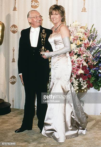LOS ANGELES Hollywood USA 26 MARCH 2000 Jane Fonda and Polish film director Andrzej Wajda pose with his Academy Honorary Award at the 72nd Academy...