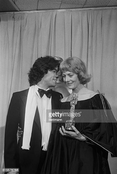 Hollywood: Vanessa Redgrave is presented her Oscar during the Golden Anniversary Academy Awards at the Music Center Pavillion in Hollywood 4/3. The...